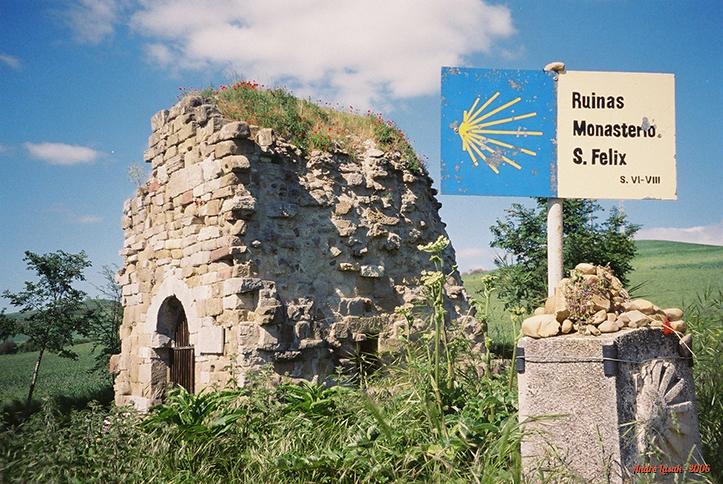 Ruínas do Monasterio San Felix, próximo a Villafranca Montes de Oca
