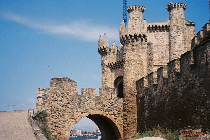 Fachada do Castillo Templario de Ponferrada
